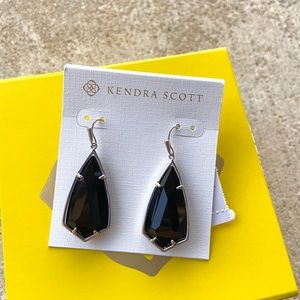 NWT Kendra Scott Black Carla Earrings